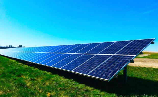 Comunidades energéticas usan paneles solares.